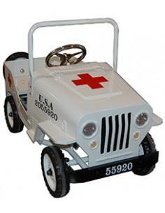 Coche a pedales Jeep Cruz Roja color blanco