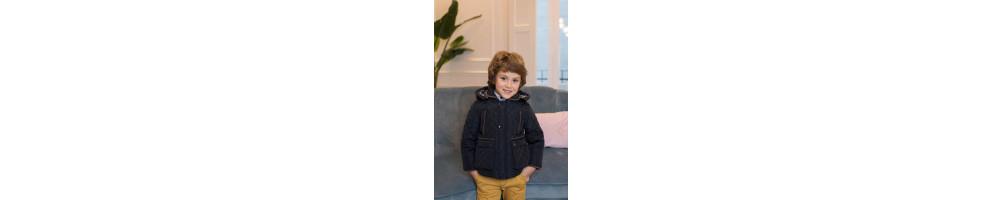 Chaquetas y abrigos para combinar con la ropa de niños