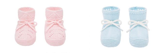 Zapatos y patucos para completar la ropa de bebé